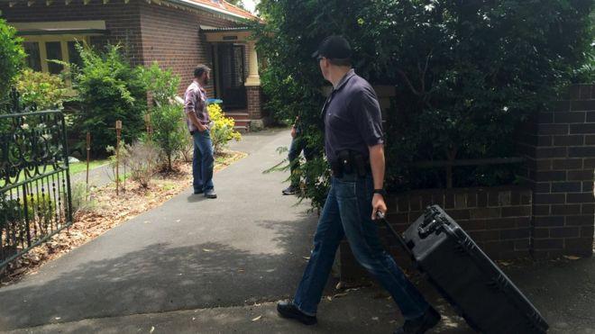Do domu Wrighta weszła Australijska Policja Federalna