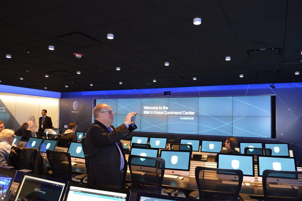 Tak wygląda IBM X-Force Command Center od środka